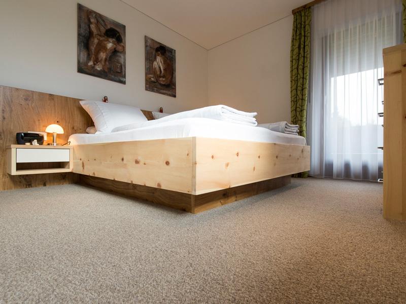 Schlafzimmer | Ideentischler Josef Stark Ludesch Bludenz Vorarlberg Schlafzimmer Zirbenholz